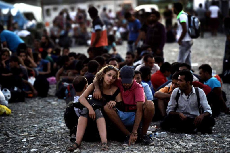 Europe-migrant-greece-media-332_m_0